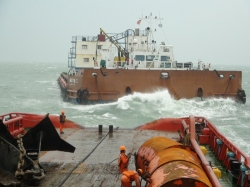 salvage-in-typhoon-china-rescue-and-salvage